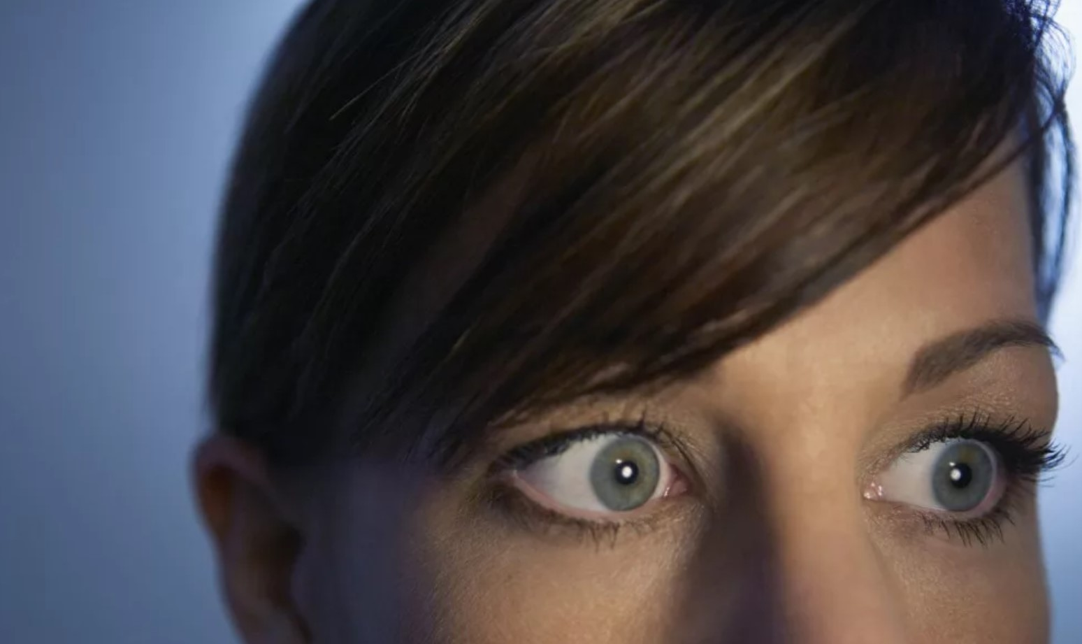 Боюсь смотреть людям в глаза: как избавиться от страха